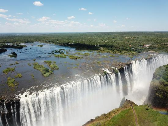 禁闭两个月后,赞比亚重新开放维多利亚瀑布