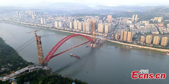 Highway bridge over Yangtze River completes closure in Sichuan