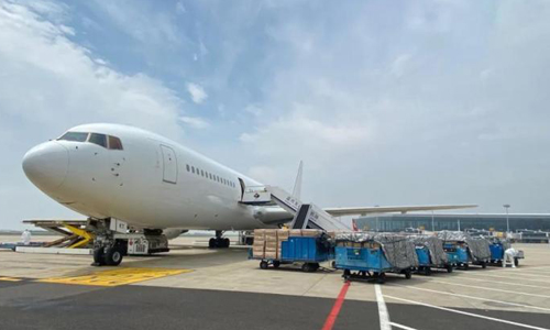 Chartered plane delivers 5.83 million face masks to Angola