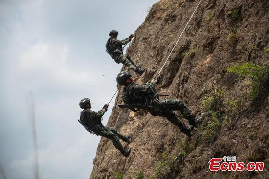 武警在西南中国接受培训