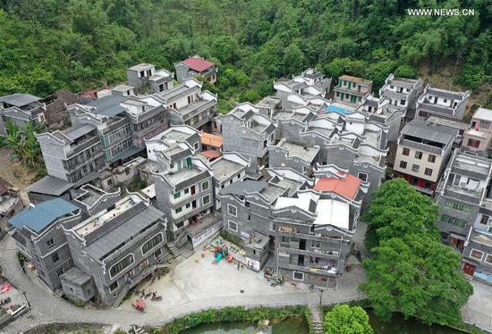中国西南广西的整个毛南族摆脱了贫困
