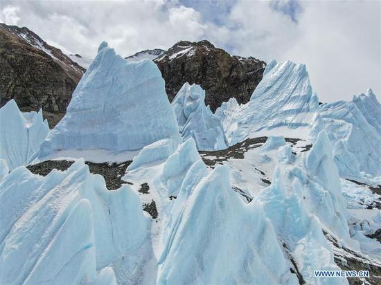 海拔6,500米的珠穆朗玛峰山景