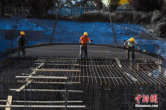 China accelerates resumption of railway construction