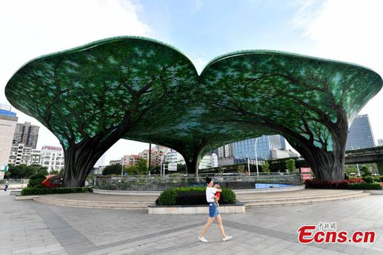 Banyan-tree shaped structure brings coolness in hot summer