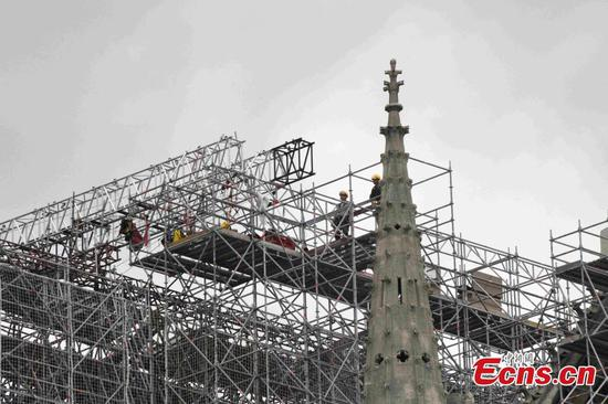 Notre-Dame fire: Work starts to remove melted scaffolding