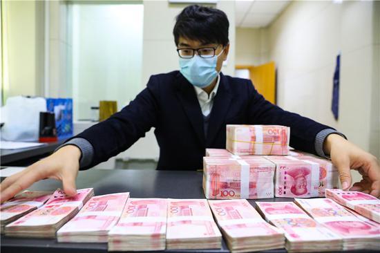 More funding sources beckon smaller firms