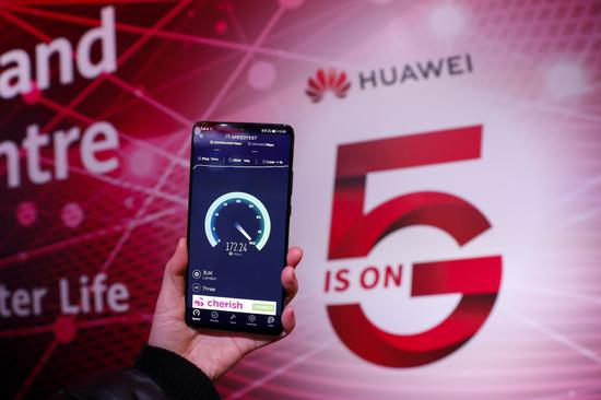 Huawei leads worldwide smartphone market in April