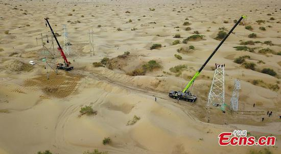 Power stations get overhaul in Taklamakan Desert