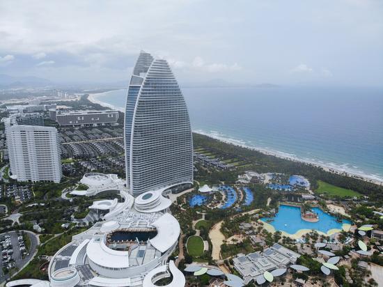 Aerial photo taken on April 4, 2020 shows the Atlantis resort in Sanya, south China's Hainan Province. (Xinhua/Zhang Liyun)