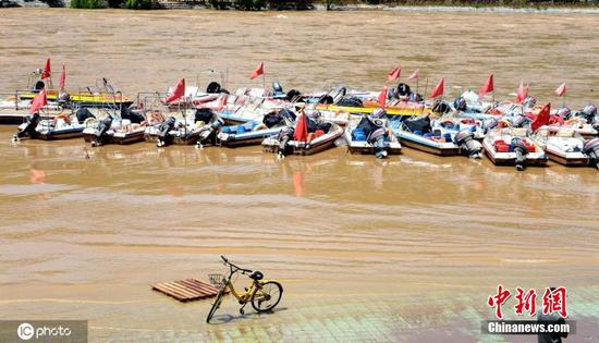 Water level of Lanzhou section of Yellow River rises