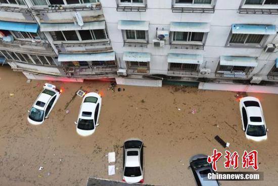Rain-induced flooding disrupts college entrance exam in Chinese county