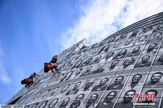 为向巴黎医务人员致敬而安装的卫生工作者肖像