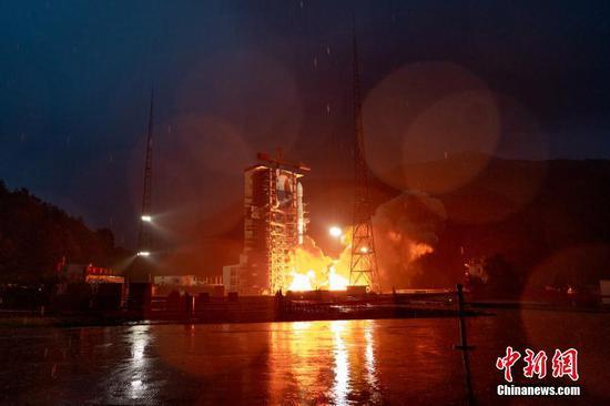 中国发射新的商业电信卫星