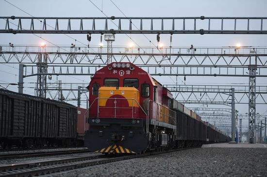 Xinjiang port sees 1,500 trips by China-Europe freight trains this year