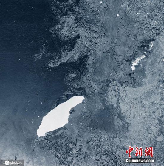 巨型A-68冰山三年