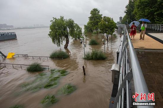 洪水峰通过南京长江段