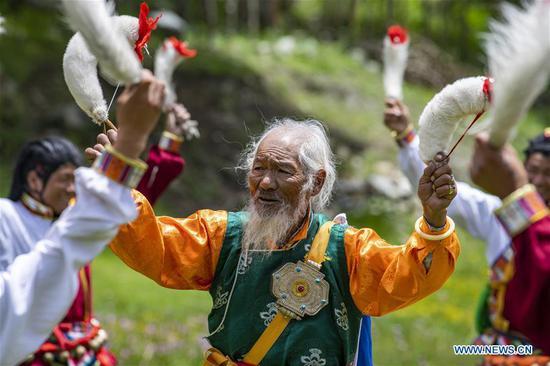 传统舞蹈有助于减少西藏山南的贫困