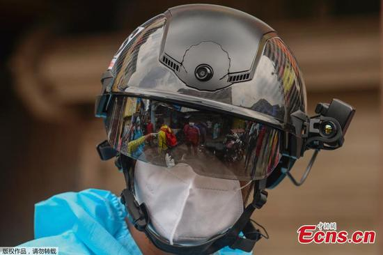 Mumbai deploys 'smart helmets' to screen for coronavirus