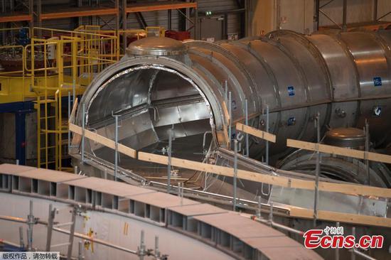 世界上最大的核聚变反应堆在法国开始组装