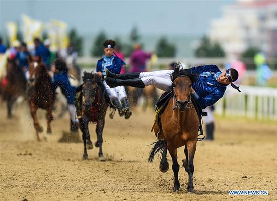 Regional horse racing kicks off in north China's Inner Mongolia