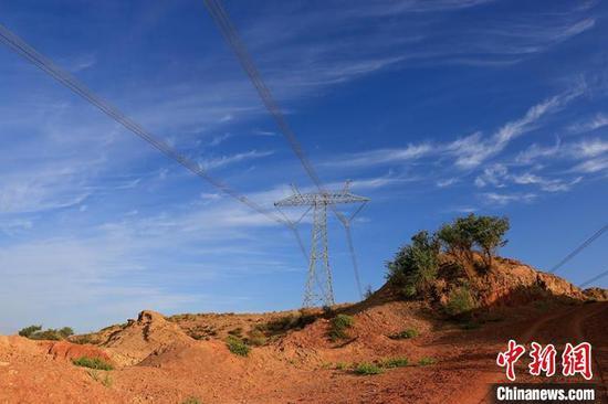 NW China's Xinjiang generates 260 bln kWh clean electricity