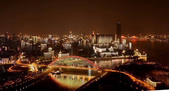 Wuhan to hold beer festival, stimulate nighttime economy