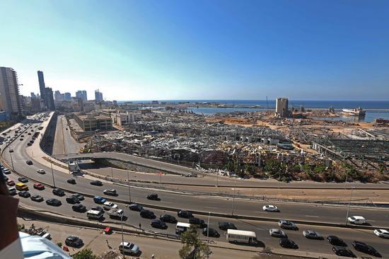 2020年8月17日拍摄的照片显示了黎巴嫩贝鲁特港的残骸。 (新华社/ Bilal Jawich)