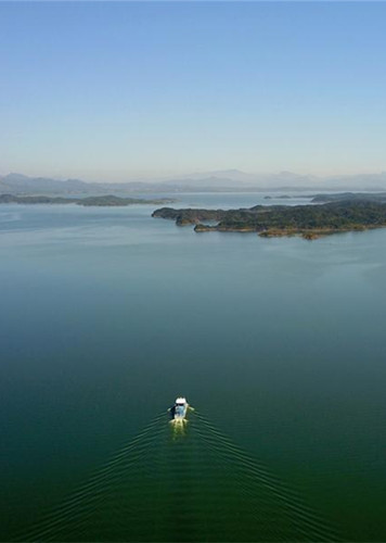 Scenery of Miyun Reservoir in Beijing