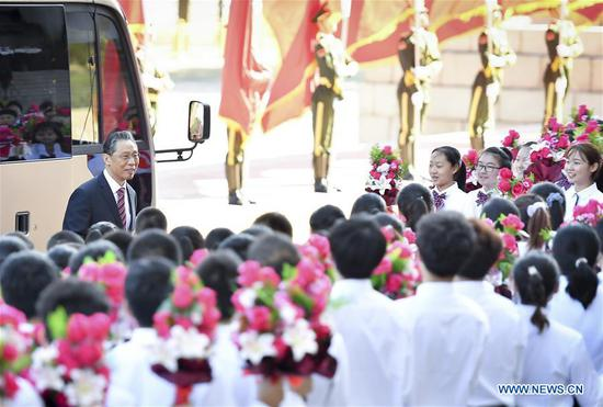 Zhong Nanshan, recipient of the Medal of the Republic, arrives at the Great Hall of the People in Beijing, capital of China, Sept. 8, 2020. China started a meeting Tuesday morning in Beijing to commend role models in the country's fight against the COVID-19 epidemic. (Xinhua/Yin Bogu)