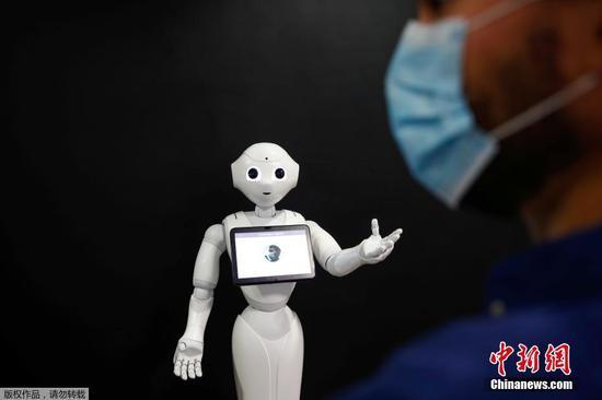 COVID-19 robocop:提醒您戴口罩的机器人