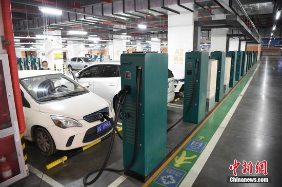 China reports notable growth in sales of new-energy vehicles