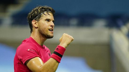 Thiem wins first major title with comeback victory against Zverev at US Open