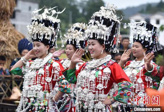 Villagers celebrate upcoming Chinese farmers' harvest festival