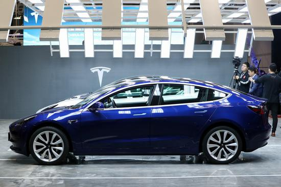 Photo taken on Jan. 7, 2020 shows Tesla China-made Model 3 vehicles at its gigafactory in Shanghai, east China. (Xinhua/Ding Ting)