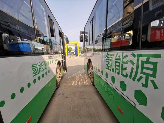 Hydrogen-powered buses enter service in NE China