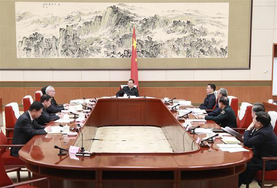 Chinese Premier Li Keqiang, also a member of the Standing Committee of the Political Bureau of the Communist Party of China (CPC) Central Committee, presides over a Friday meeting of the State Council leading group on the formulation of the draft plan of the 14th Five-Year Plan (2021-2025) for National Economic and Social Development in Beijing, capital of China, Oct. 30, 2020. Chinese Vice Premier Han Zheng, also a member of the Standing Committee of the Political Bureau of the Communist Party of China Central Committee, attended the meeting. (Xinhua/Pang Xinglei)