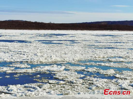 Heilongjiang River about to enter frozen season