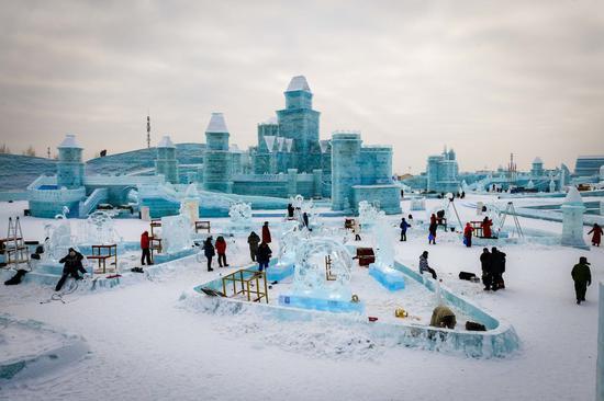 """中国的""""冰城""""将提供补贴以促进冬季旅游"""
