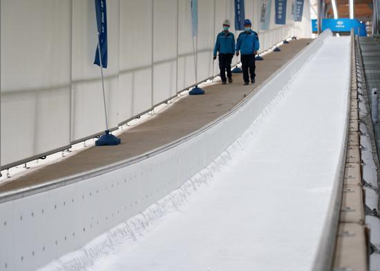 到今年2022年北京竞争区的所有溜冰场都将生产冰