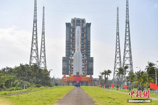 China to launch Chang'e 5 mission with Long March 5 rocket