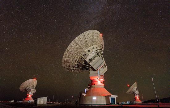 中国在新疆地区运营首个深空天线阵列系统