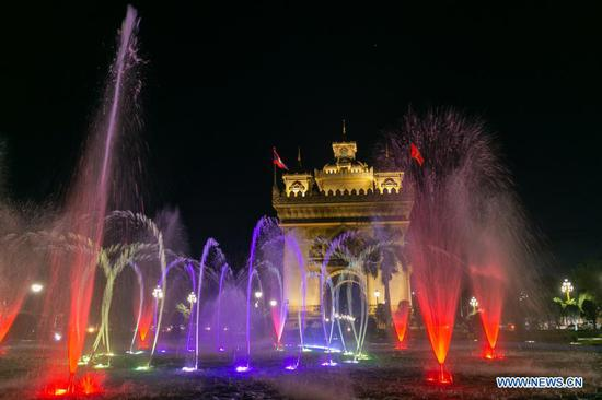 China-aided Lao capital downtown's lighting system launched