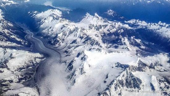 中国研究人员重新校准了青藏高原的海拔历史