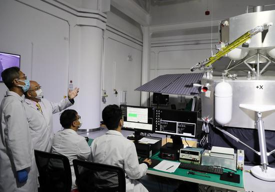 香港研究人员协助完成Chang娥五号的月球采样