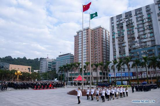 Flag-raising ceremony held to mark 21st anniversary of Macao's return to motherland