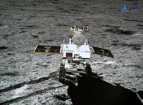 中国的月球车在月球的远端行驶约600米