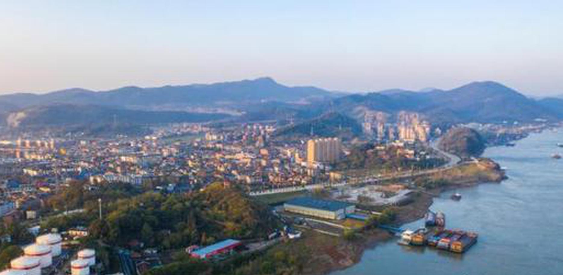 长江城市通过智能技术保护水质