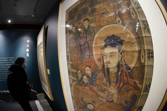 Woodblock New Year paintings debut in Prince Gong's Mansion