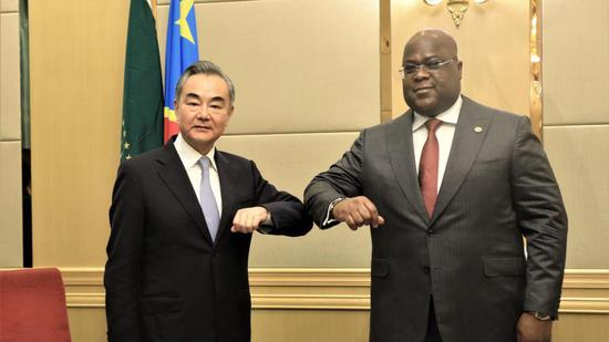 The Democratic Republic of the Congo President Felix Tshisekedi (R) meets with Chinese State Councilor and Foreign Minister Wang Yi in Kinshasa, DRC, January 6, 2021. (Photo/Xinhua)