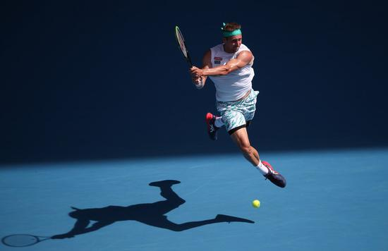 Australian Open faces big names' positive COVID-19 tests